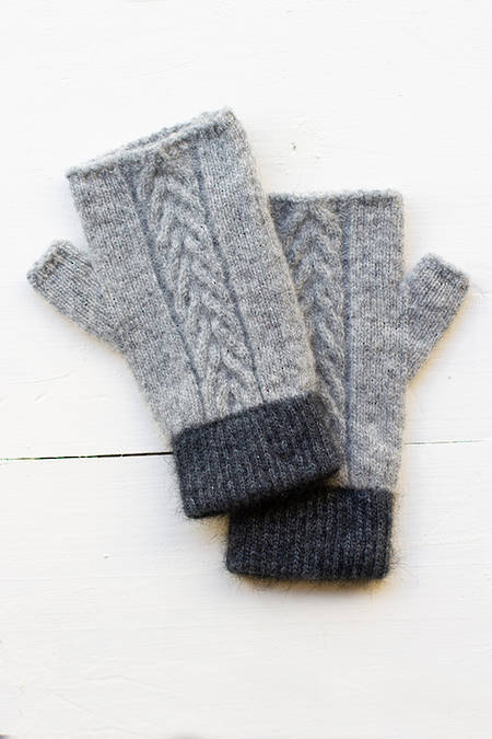 Kowhatu Cable Knit hand cosies