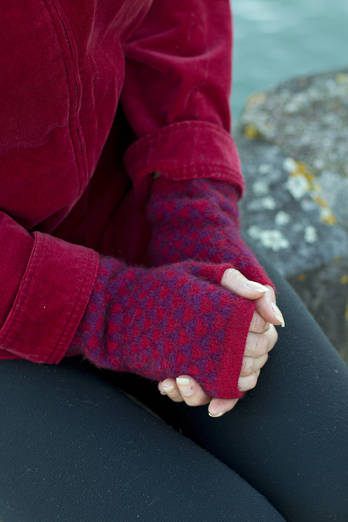Puriri | Red purple hand cosies