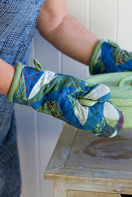 Whenua Oven Gloves Pair