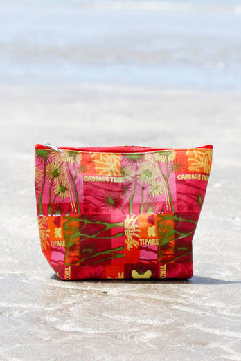Cabbage Trees | Large Travel Cosmetic Bag