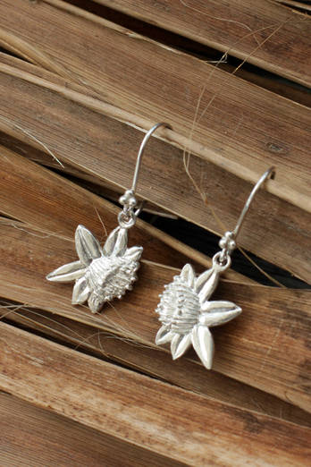 Rata silver charm earrings