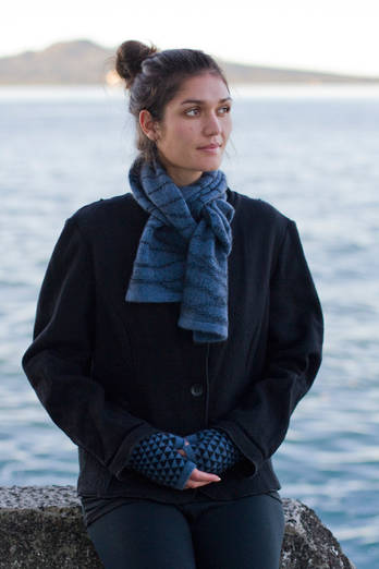 Hauturu | Soft blue with charcoal black scarf