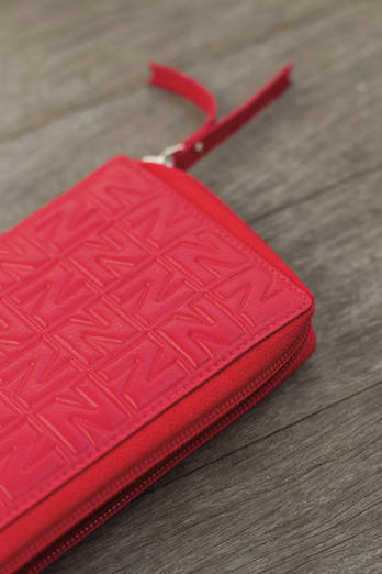 Zipped red  NZ wallet