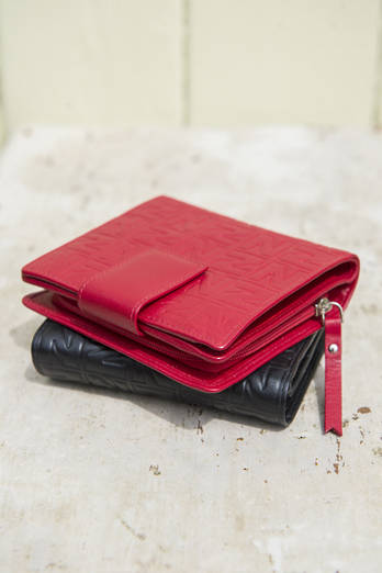 Red NZ wallet