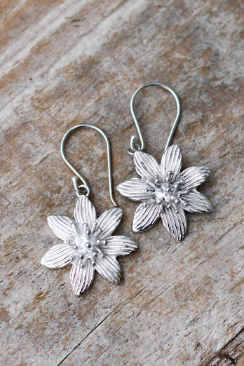 Puawananga Silver earrings