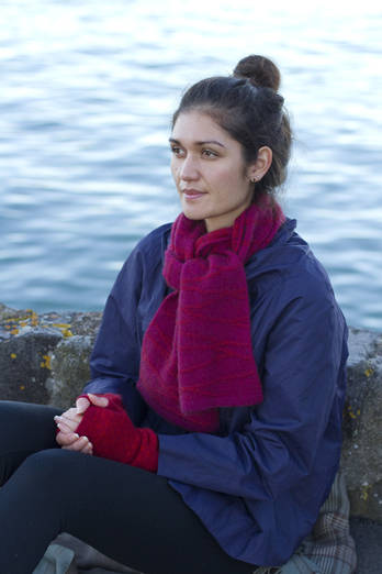 Wairakei | Purpley-pink scarf with cinnamon